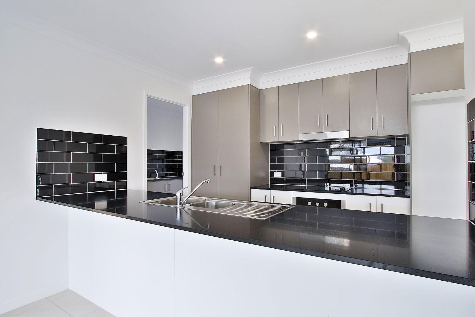 11 Raniga Drive, Bellbird Park QLD 4300, Image 2