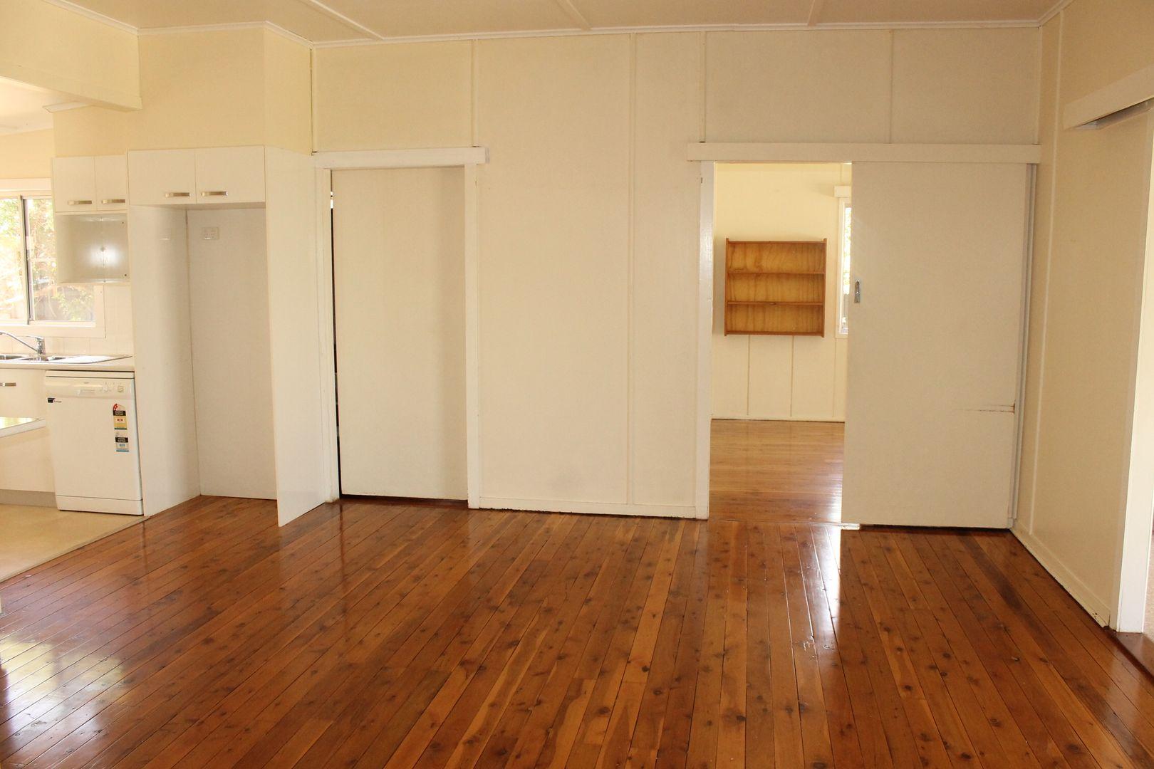 23 Knox Street, Dalby QLD 4405, Image 2