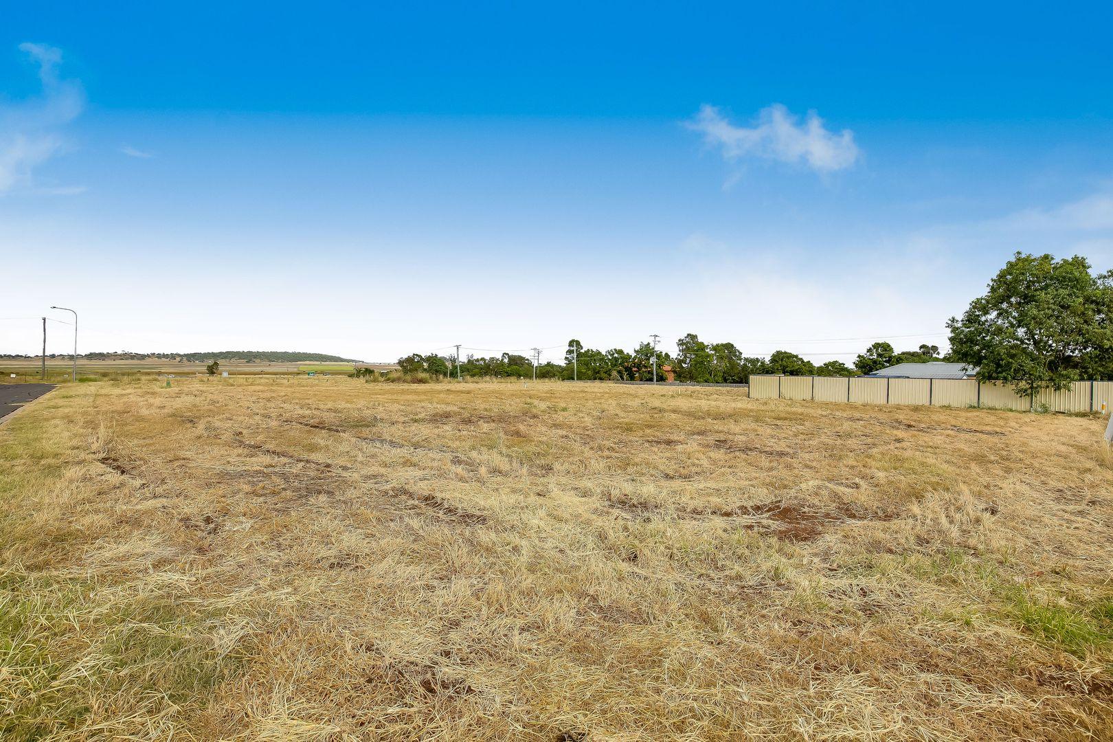Oakey QLD 4401, Image 1