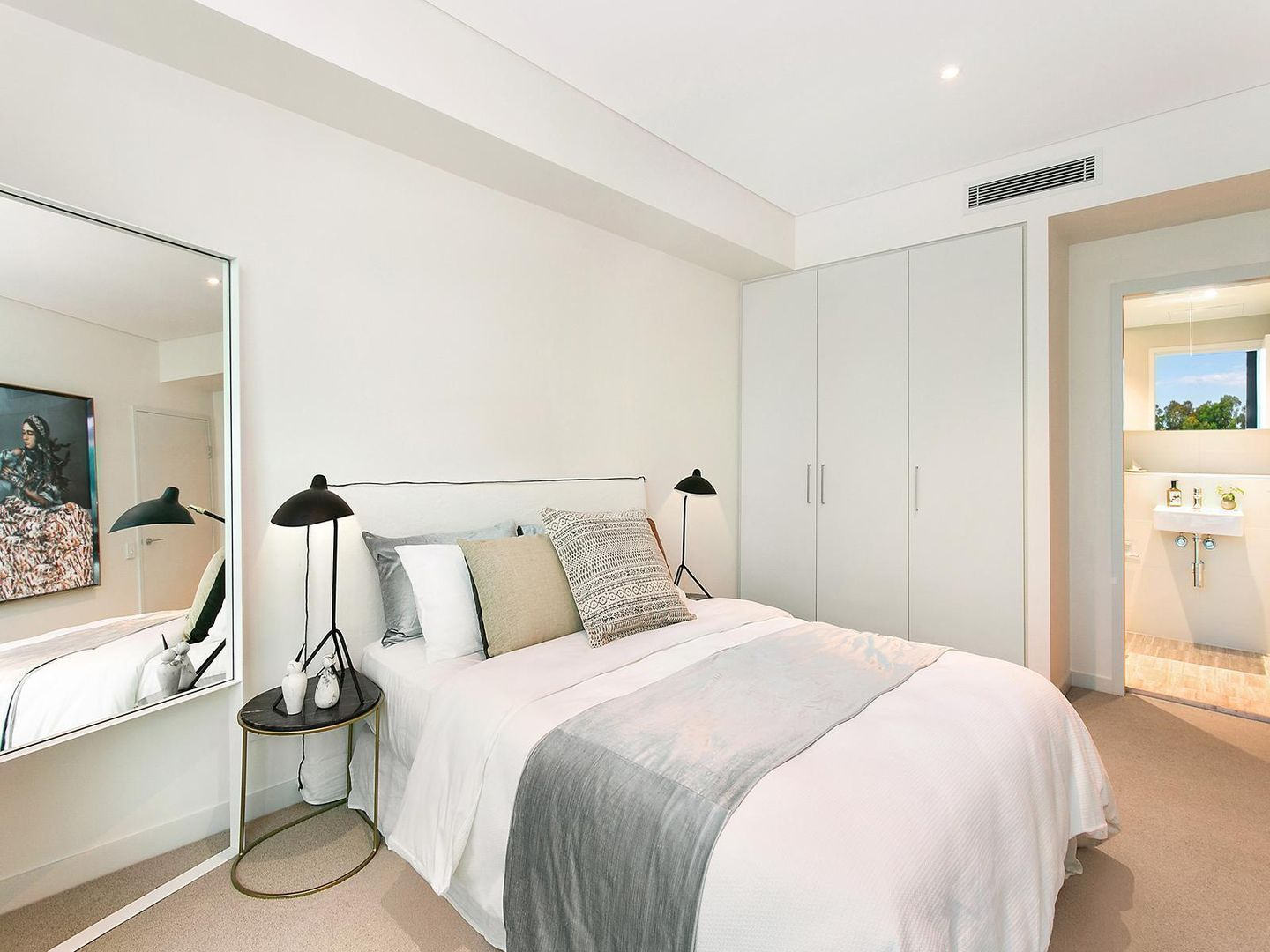 401/148a Albany Street, Point Frederick NSW 2250, Image 2