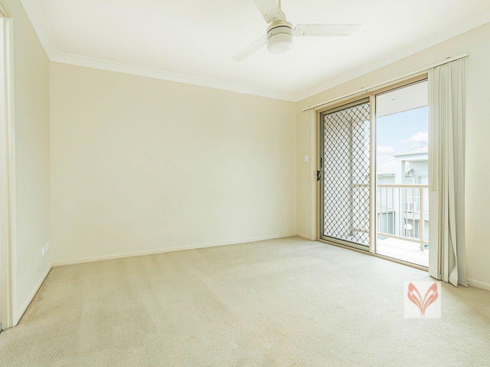 10 18 Mornington Court, Calamvale QLD 4116, Image 2
