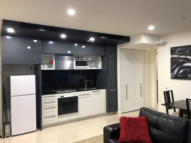 24/8 Cook  Street, Southbank VIC 3006, Image 1