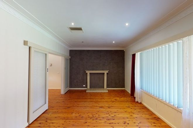 Picture of 52 Banksia Crescent, DUBBO NSW 2830