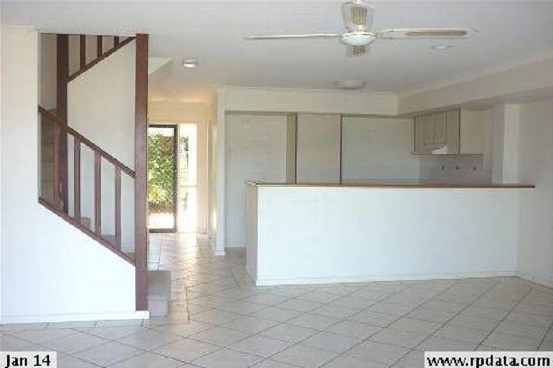Christine Ave, Varsity Lakes QLD 4227, Image 2