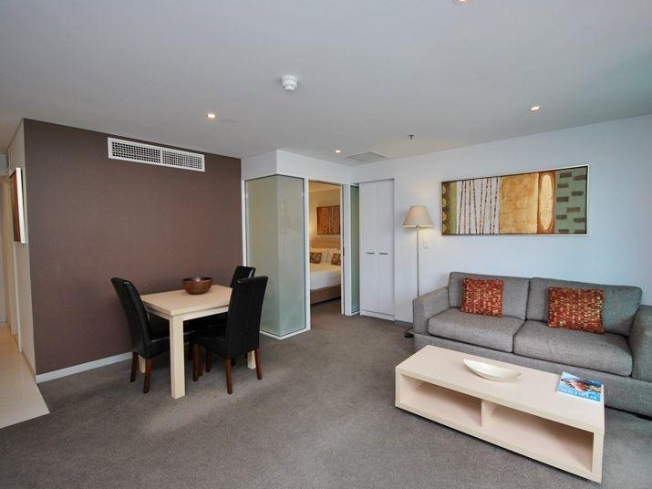 301/102-105 North Terrace, Adelaide SA 5000, Image 2