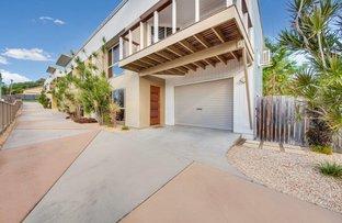 Picture of 4/6 Beach Avenue, Tannum Sands QLD 4680