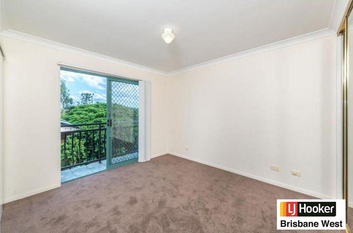 6/23 Burns Road, Toowong QLD 4066, Image 2