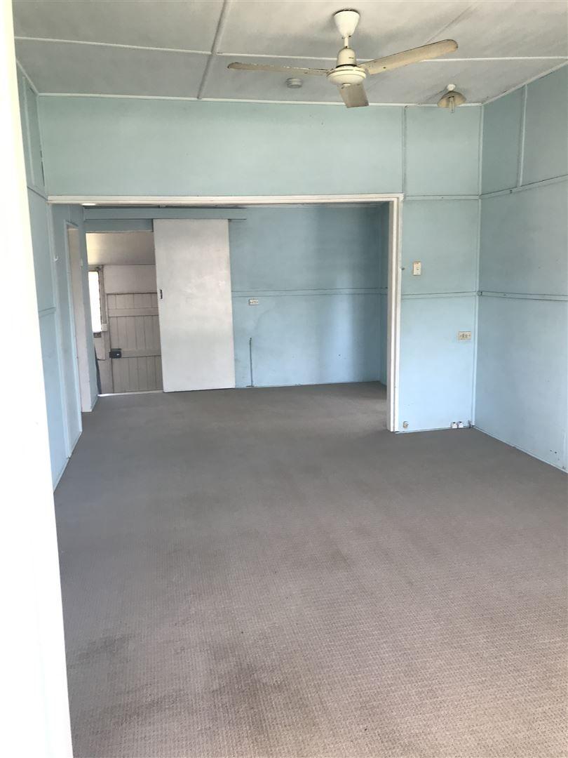 61 Banister Street, Brandon QLD 4808, Image 2
