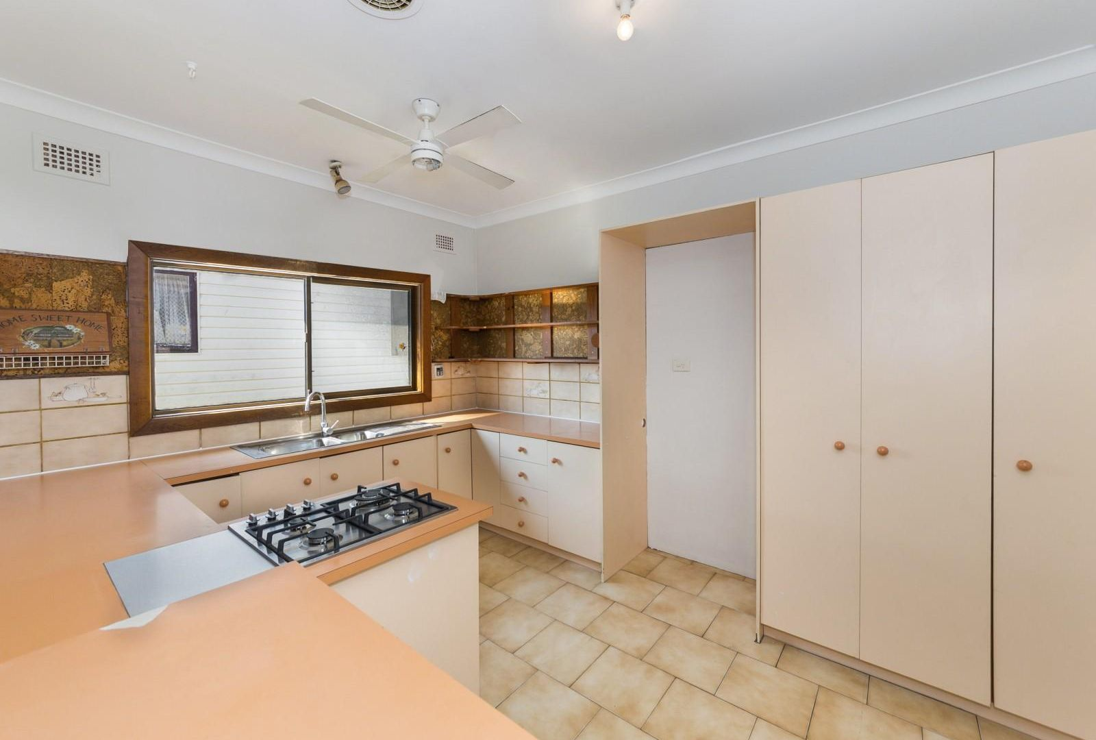 126 Walters Road, Blacktown NSW 2148, Image 2