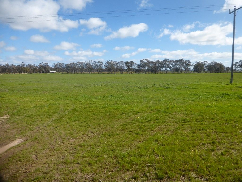 C/A 12F 8076 Donald-Stawell Road, Stawell VIC 3380, Image 2