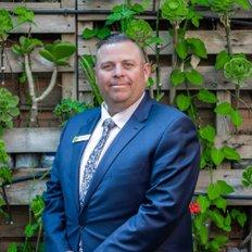 Matt Connolly, Sales representative