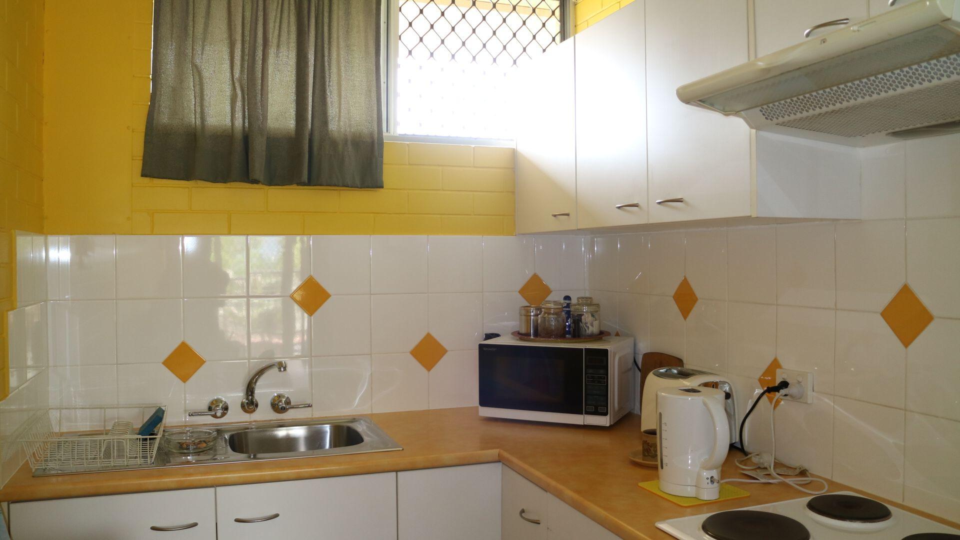 Unit 2/208 Oxley Ave, Margate QLD 4019, Image 2