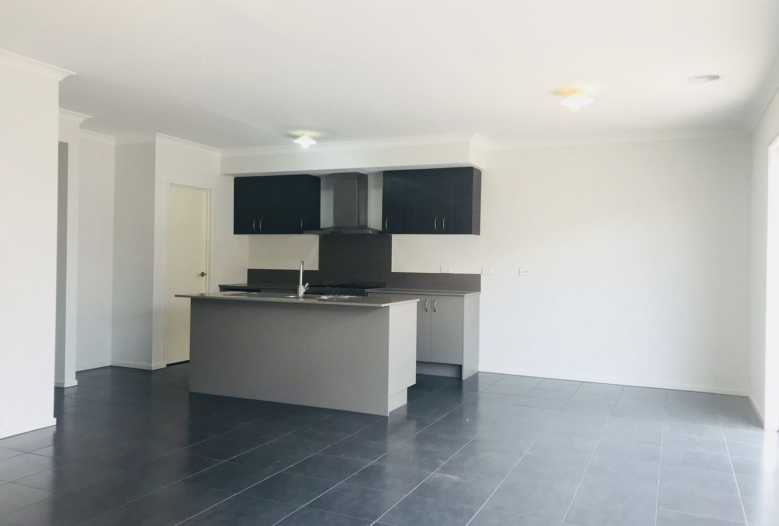 7 Courances Walk, Wollert VIC 3750, Image 1