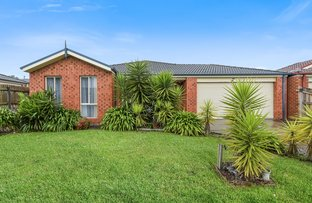 Picture of 35 Sing Crescent, Berwick VIC 3806