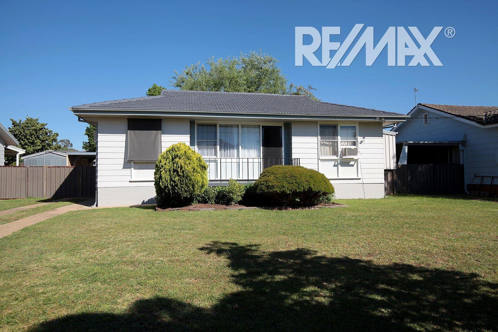 31 Ziegler Avenue, Kooringal NSW 2650, Image 0