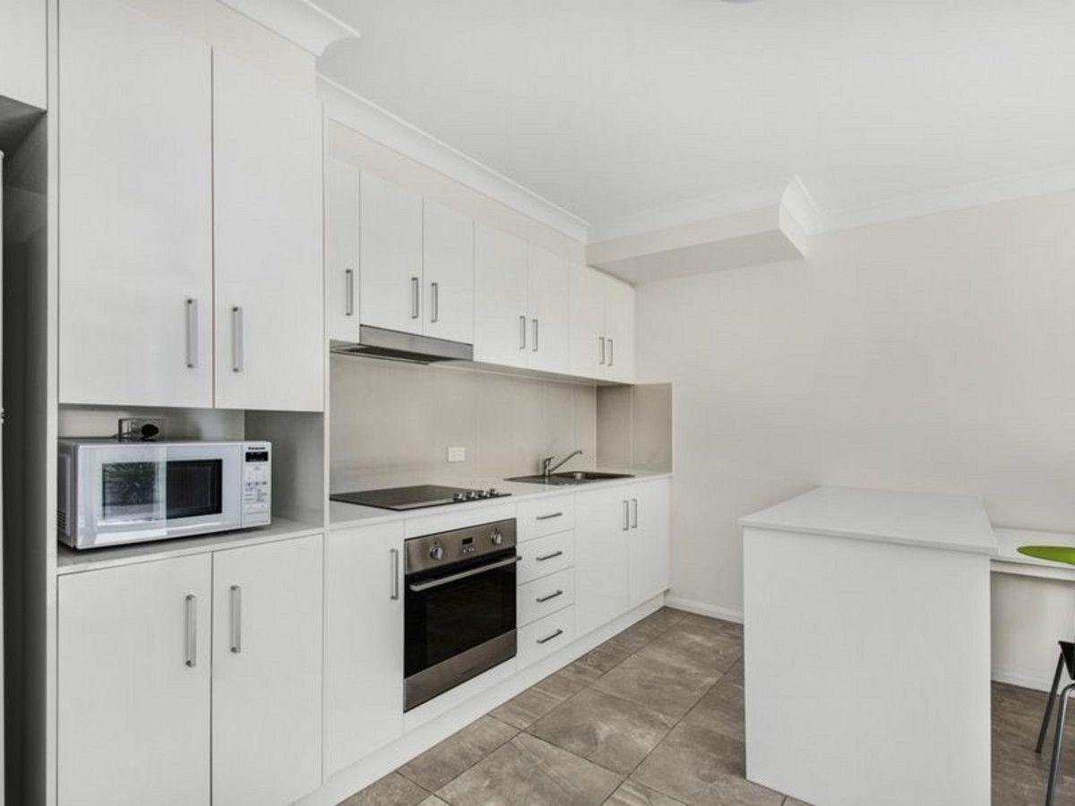 13/422 West Street, Kearneys Spring QLD 4350, Image 2