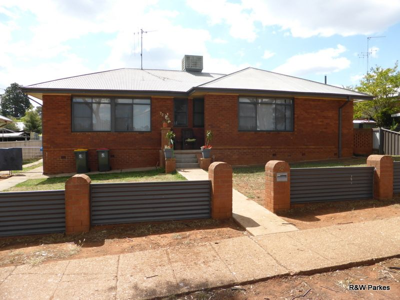 22 Mitchell Street, Parkes NSW 2870, Image 0