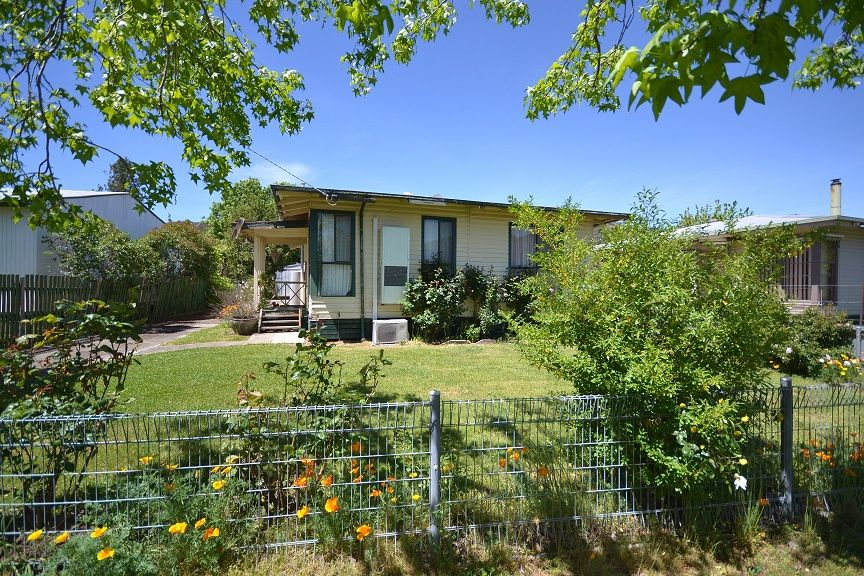 14 Simmonds Street, Mount Beauty VIC 3699, Image 0