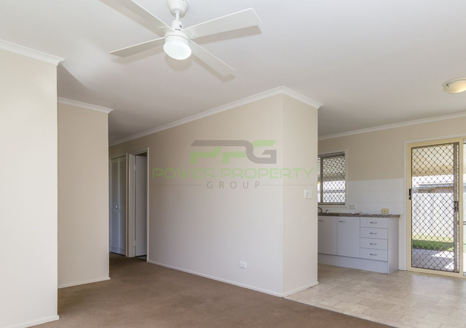 24 Regency Dr, Regents Park QLD 4118, Image 2