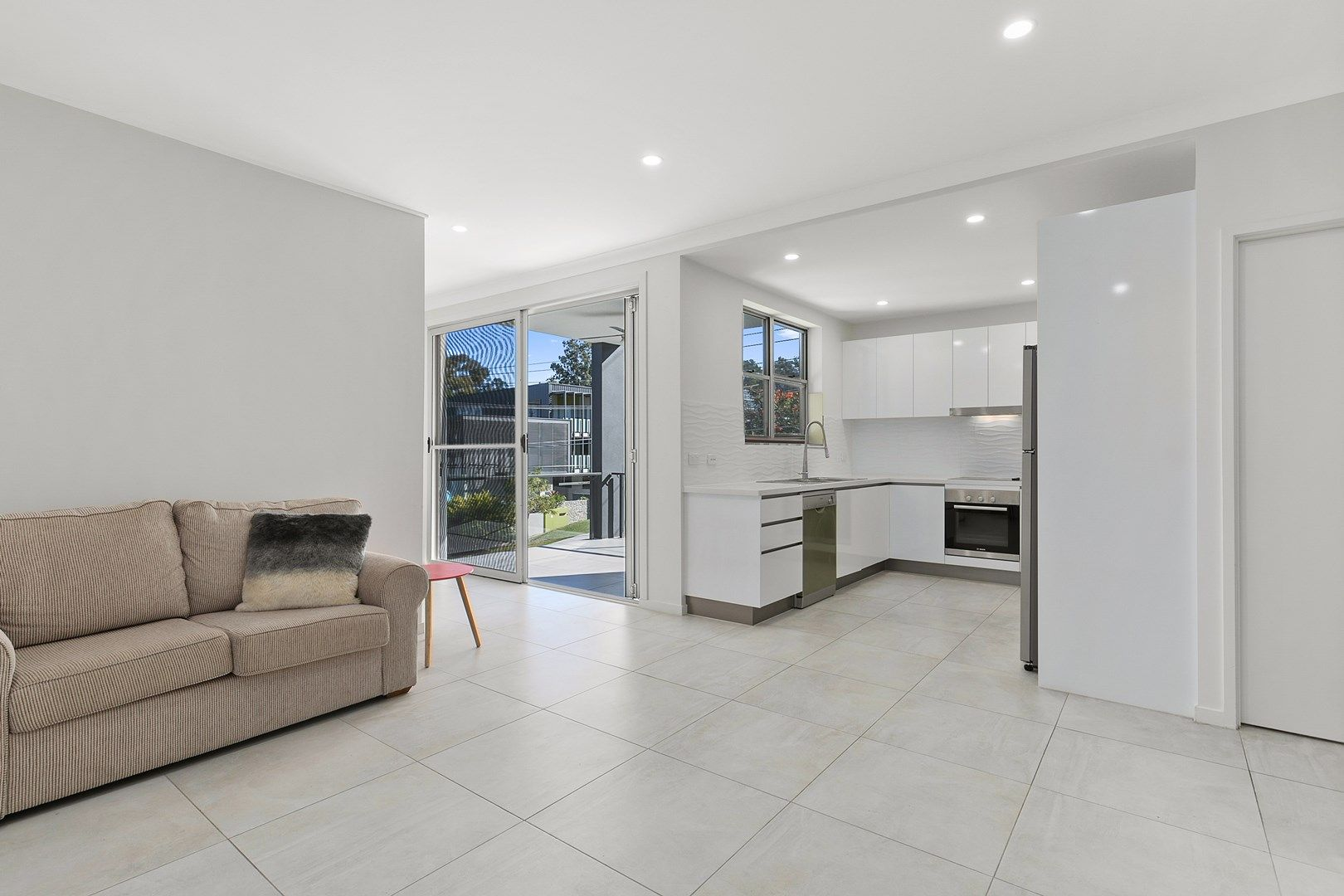 3/50 Depper Street, St Lucia QLD 4067, Image 2