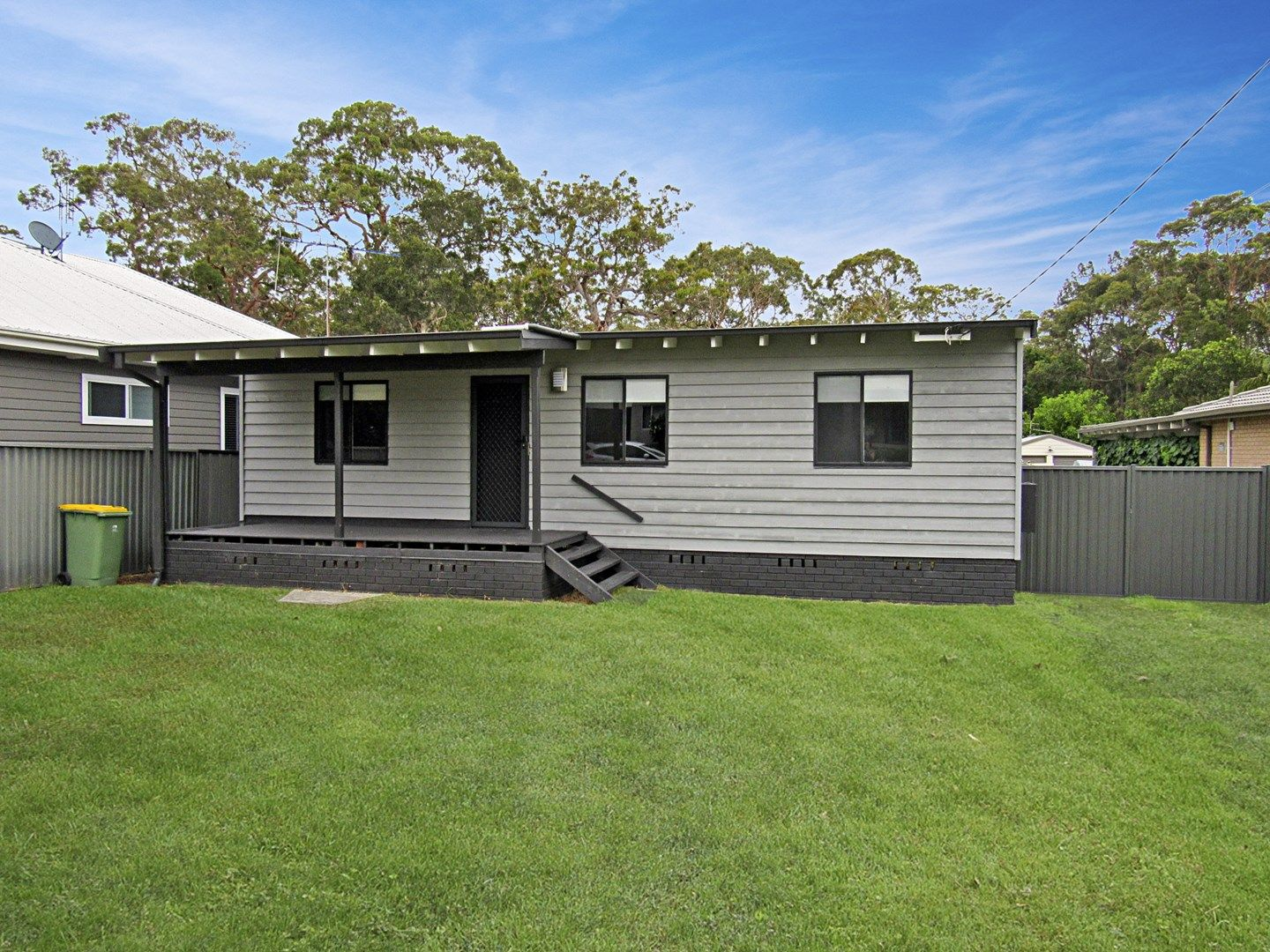 27 Ivy Avenue, Chain Valley Bay NSW 2259, Image 0