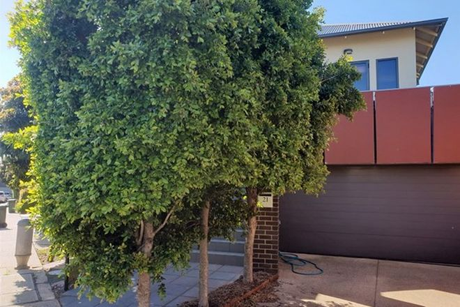 Picture of 21 Lakeside Place, WILLIAMSTOWN VIC 3016