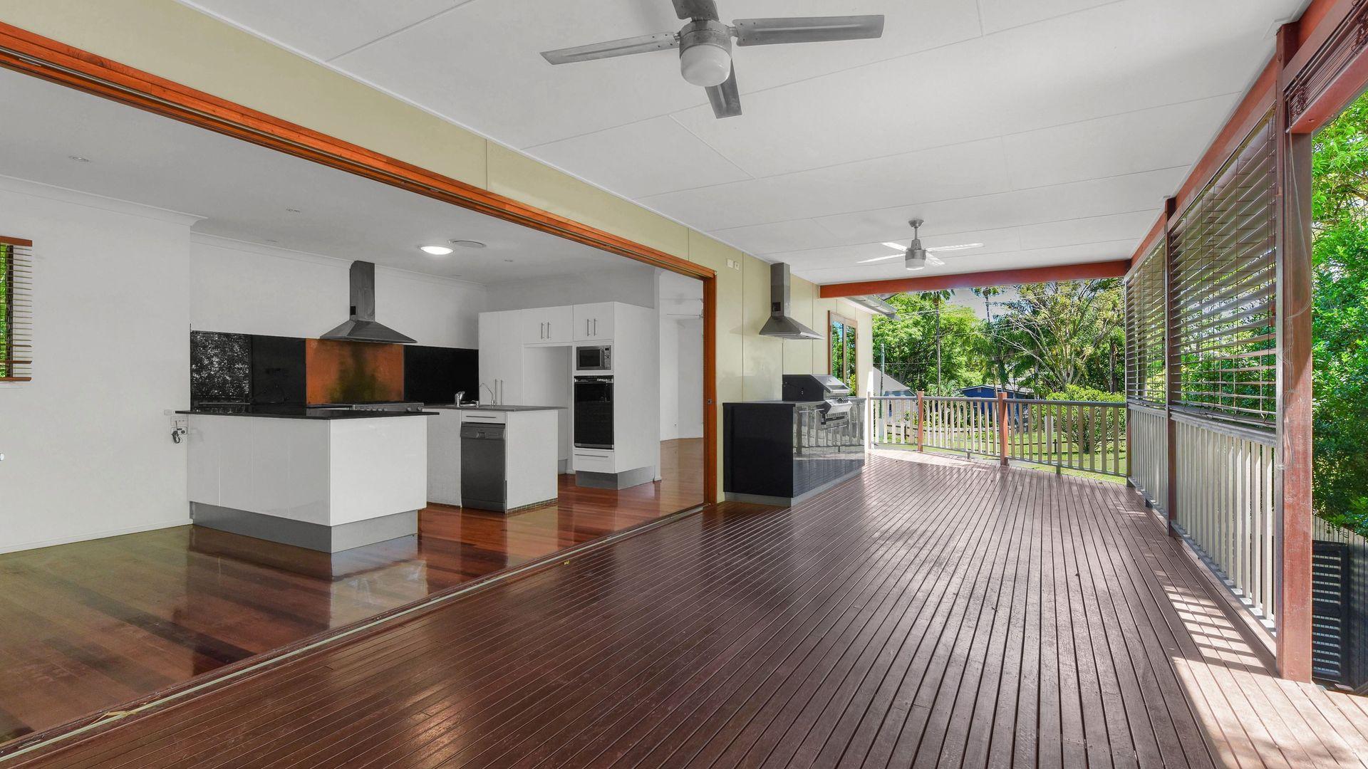 31 Soudan Street, Bardon QLD 4065, Image 2
