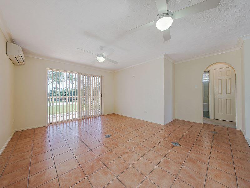 2/46 Robinson Street, Coorparoo QLD 4151, Image 2