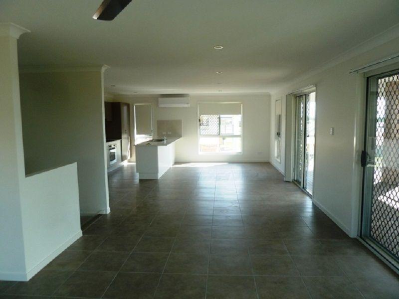 15 Steel Street, Nikenbah QLD 4655, Image 2