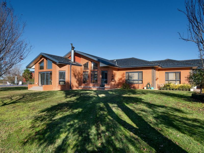 1 Mitchell Road, Lake Albert NSW 2650, Image 0