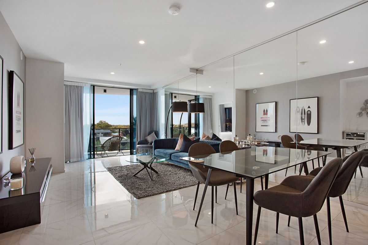 4206/5 Harbourside Court, Biggera Waters QLD 4216, Image 1