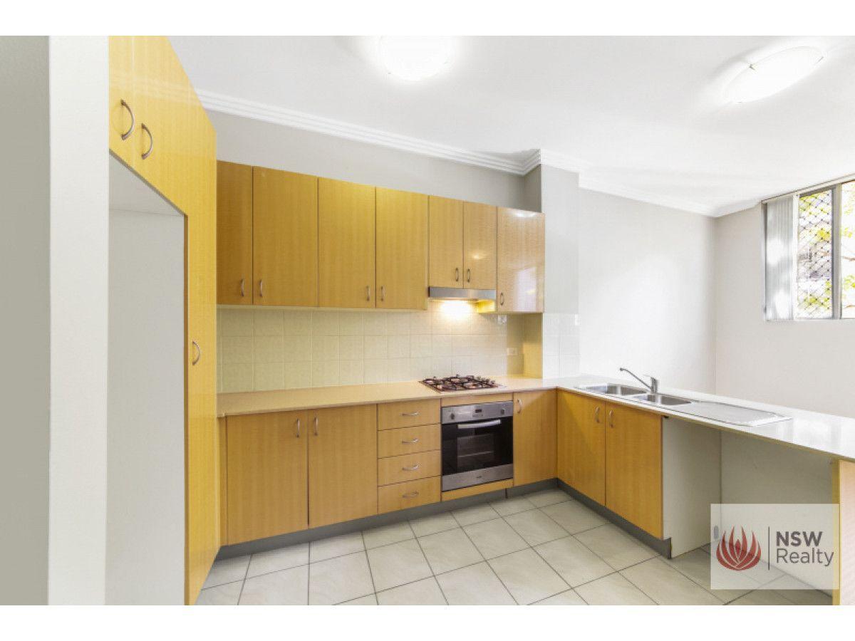 2/1-3 Howard Avenue, Northmead NSW 2152, Image 1