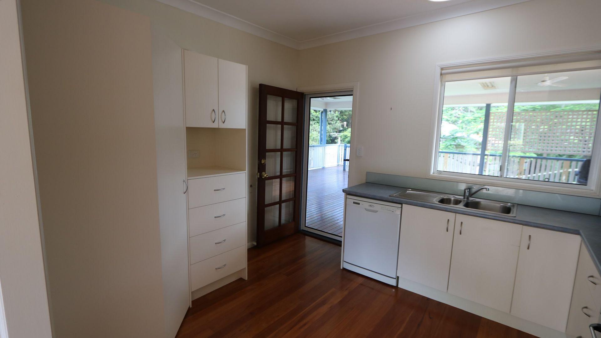 39 Thornycroft Street, Tarragindi QLD 4121, Image 2