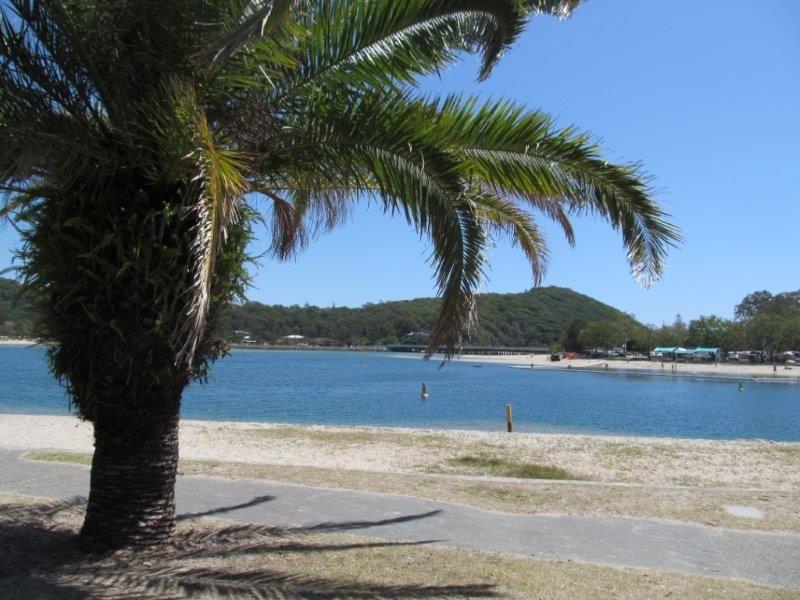 1/18 Murlong Cr, Palm Beach QLD 4221, Image 1