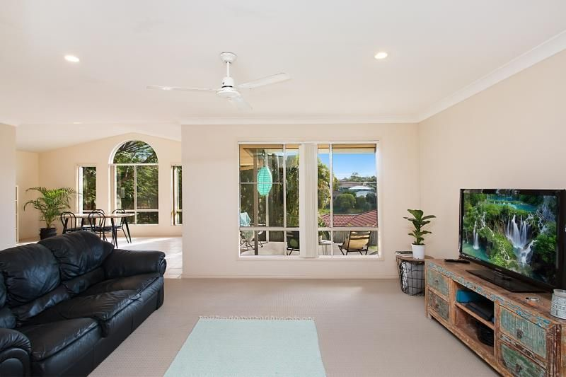 7 Tiarnna Close, Burleigh Heads QLD 4220, Image 2
