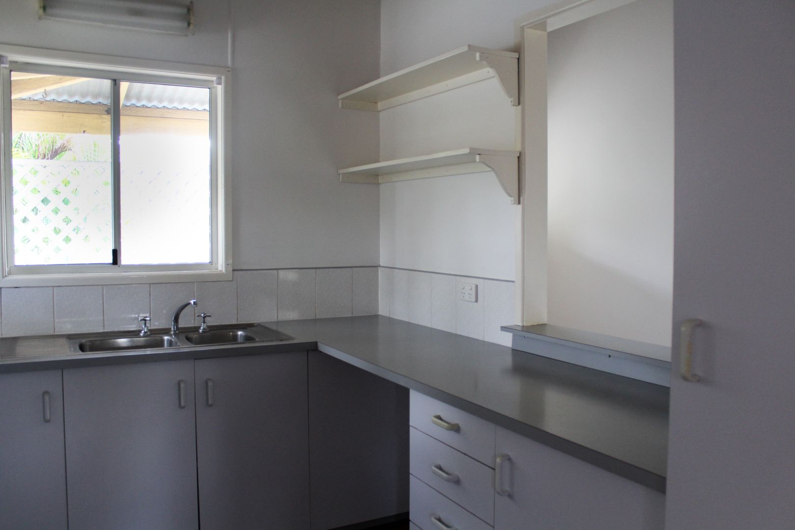 2 Hanworth Court, Yamanto QLD 4305, Image 2
