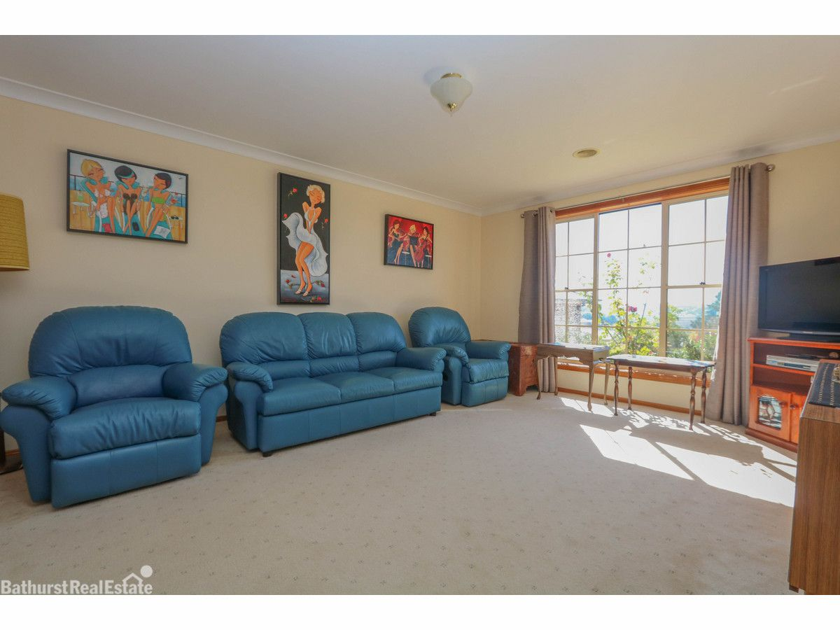 6 Inn Place, Gormans Hill NSW 2795, Image 2