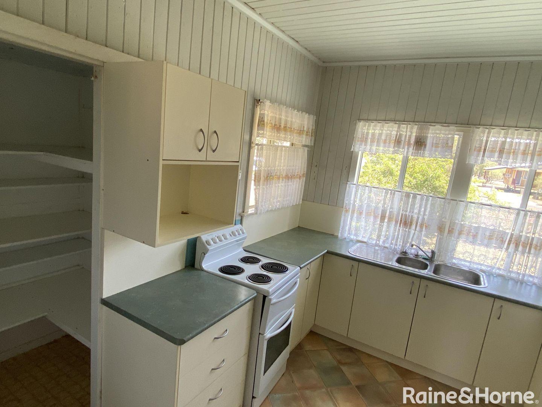 8 King Street, Surat QLD 4417, Image 1