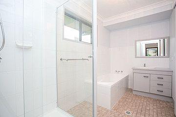 4 Oxford Street, Rothwell QLD 4022, Image 2