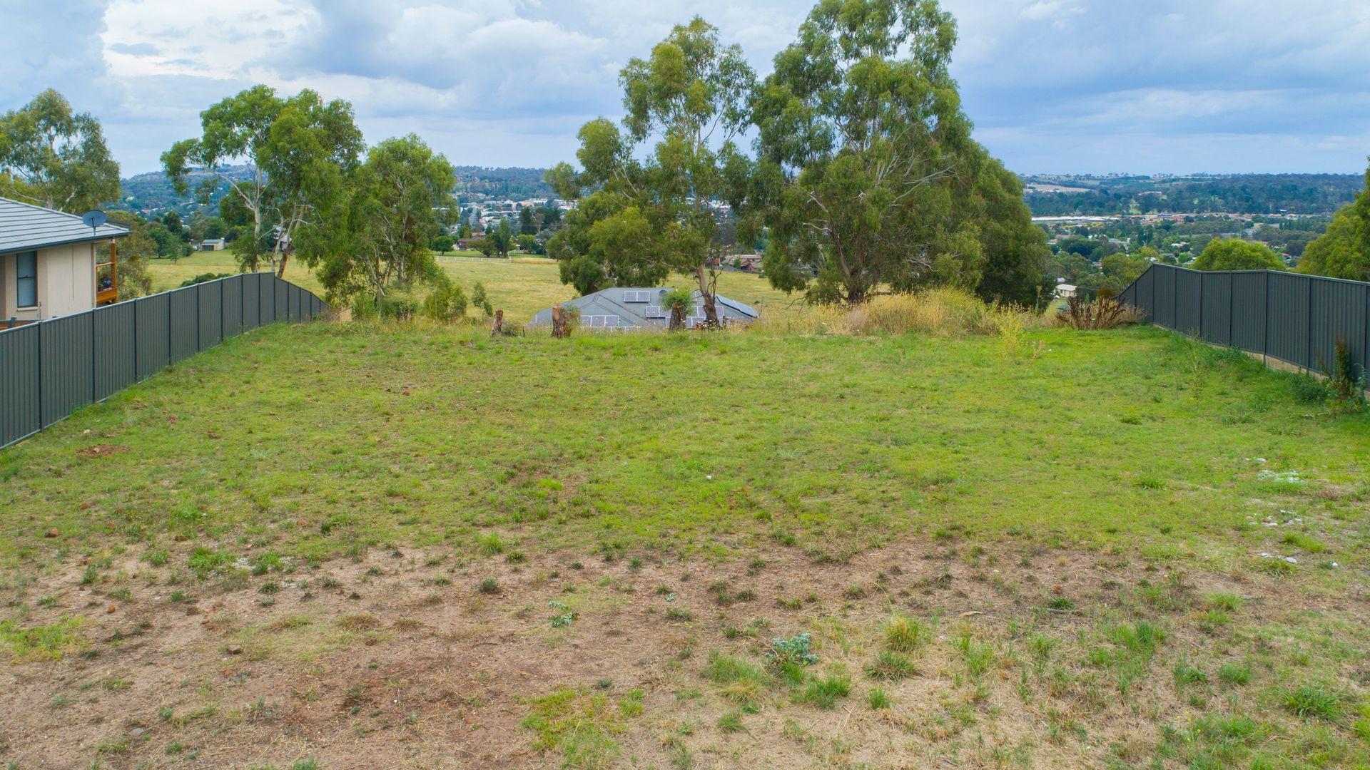 26 Grandview Crescent, Armidale NSW 2350, Image 1
