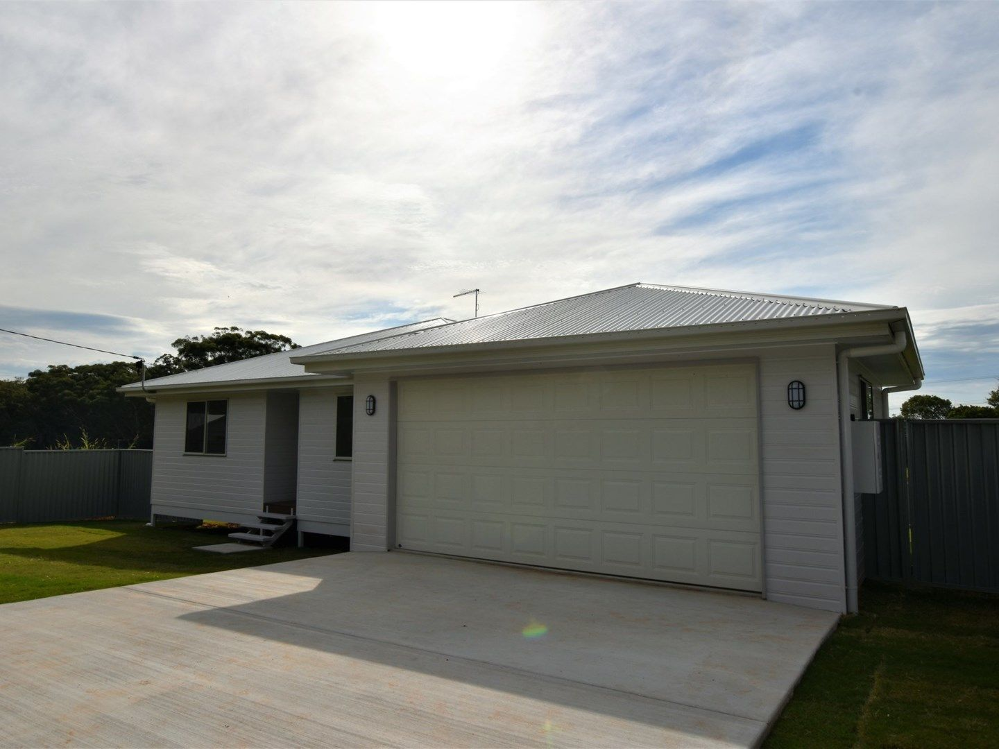 15 Laurel Street, Russell Island QLD 4184, Image 0
