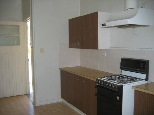 247 Warwick Rd, Churchill QLD 4305, Image 2