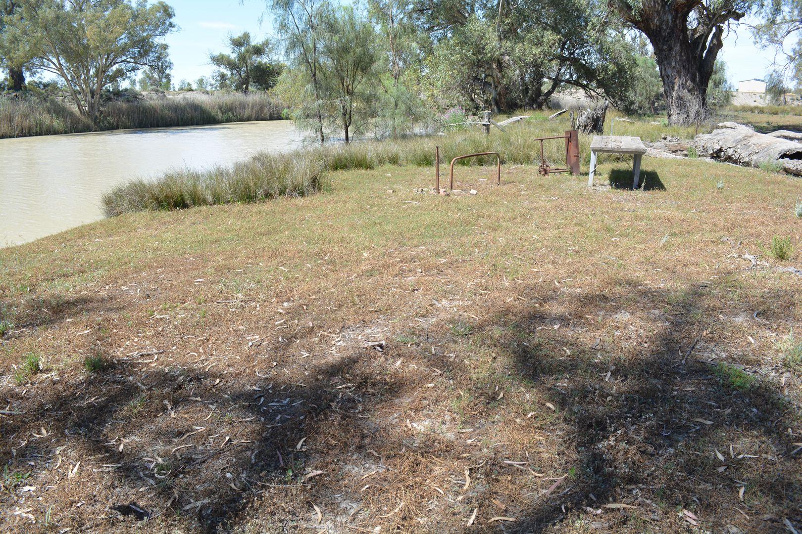 9 Cudmore Road, Wentworth NSW 2648, Image 1
