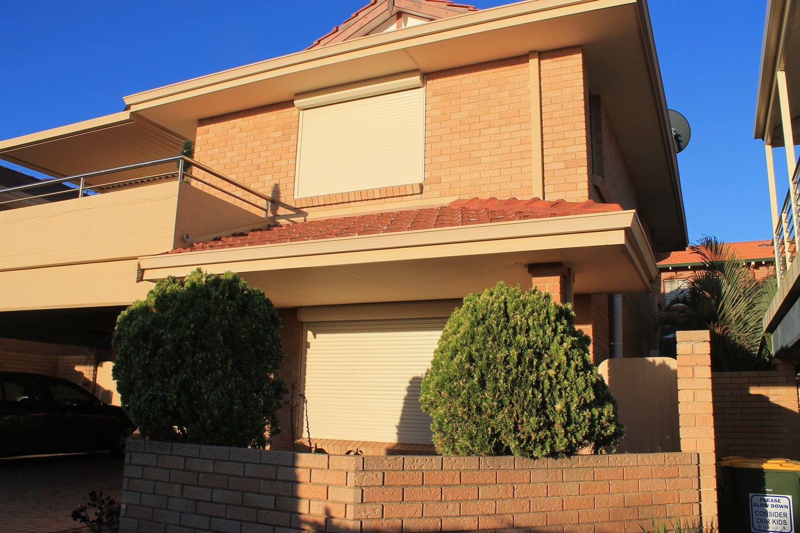2/15 Kinsella Street, Joondanna WA 6060, Image 1