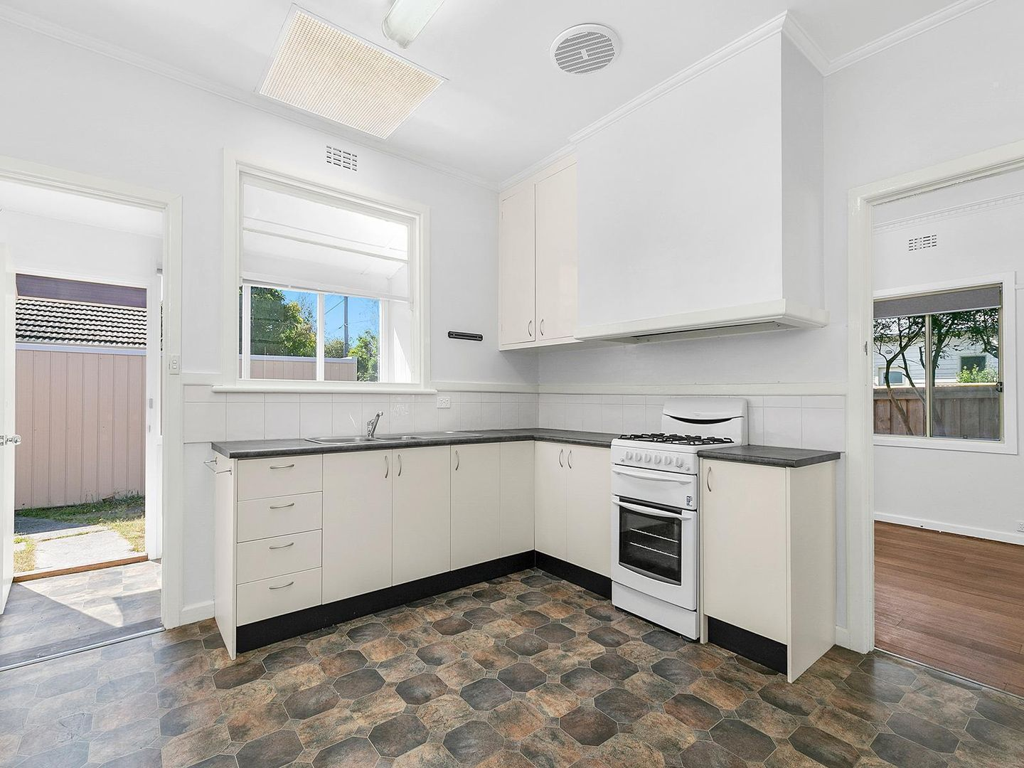 66 Shannon Avenue, Geelong West VIC 3218, Image 2