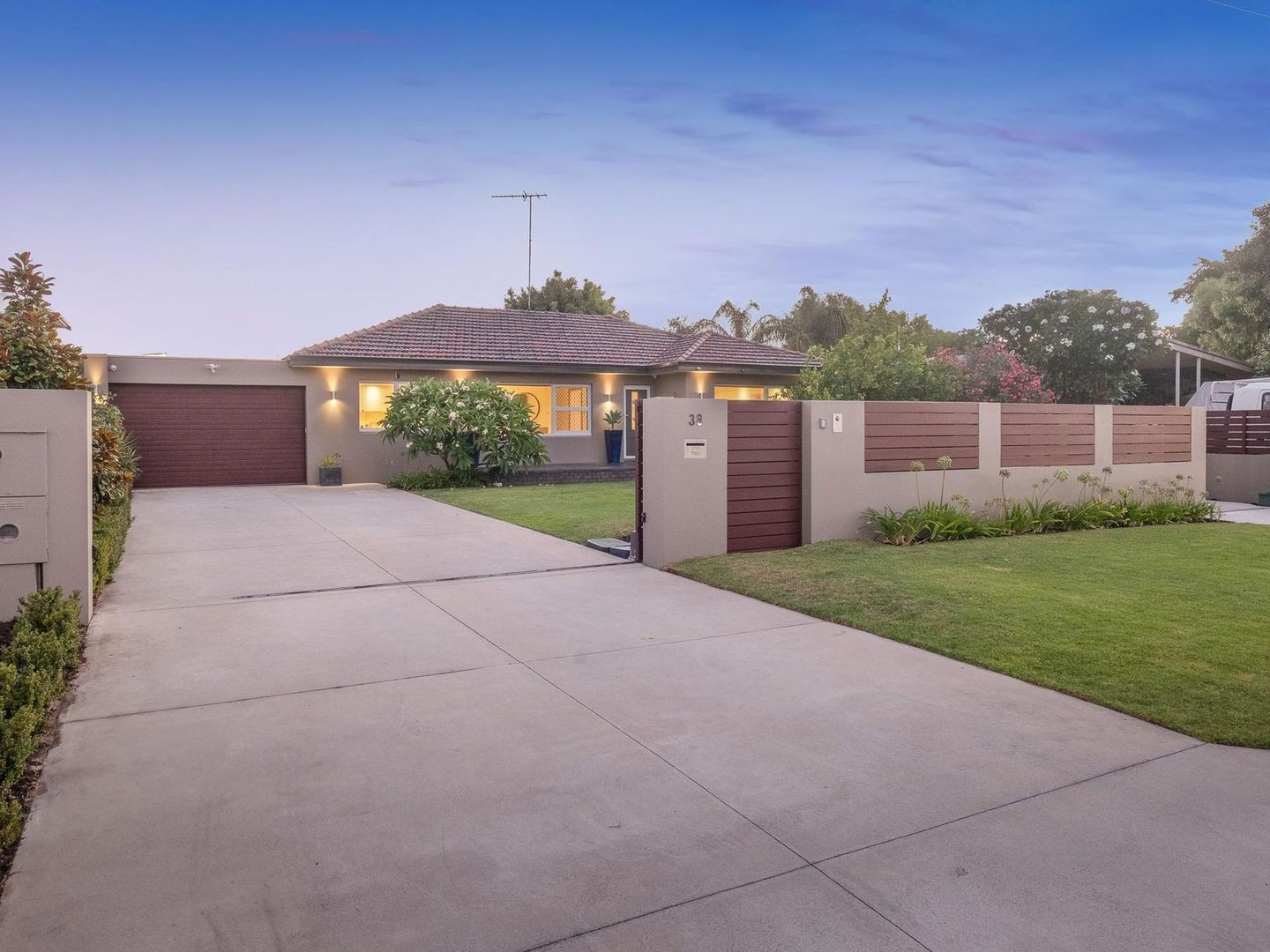 38 Tontave Road, Westminster WA 6061, Image 1