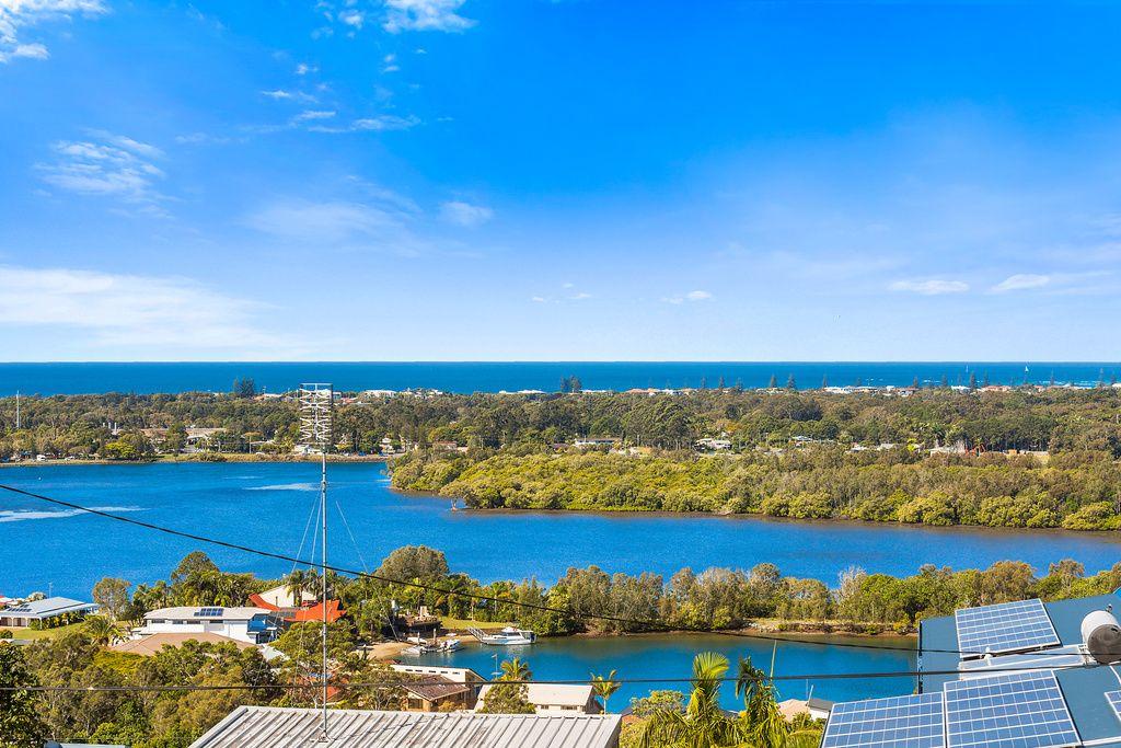 15 Blue Haze Crescent, Banora Point NSW 2486, Image 1