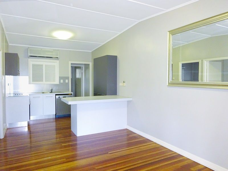 2/3 Falcon Street, Rowes Bay QLD 4810, Image 2