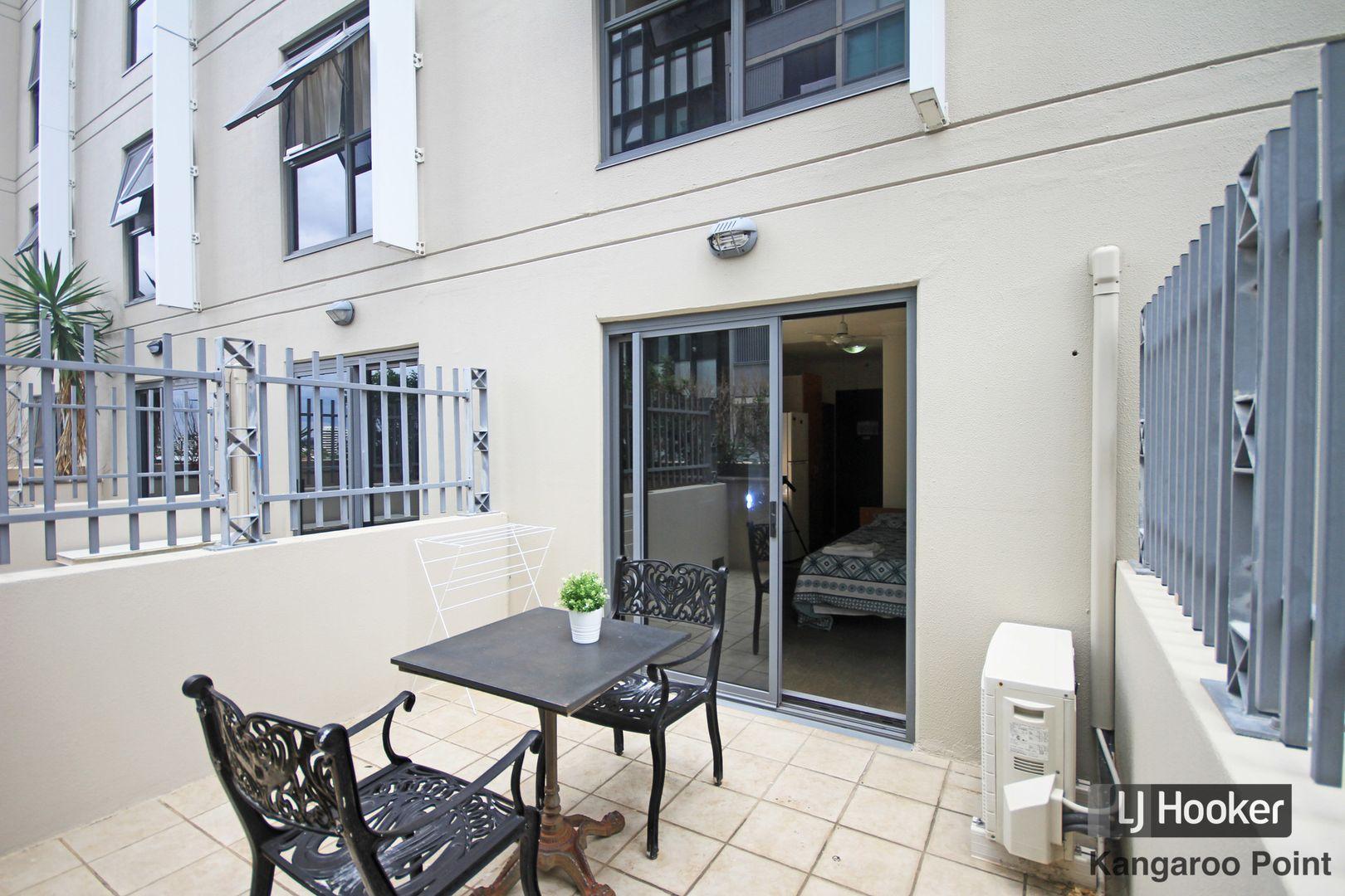 402/188 Shafston Avenue, Kangaroo Point QLD 4169, Image 1