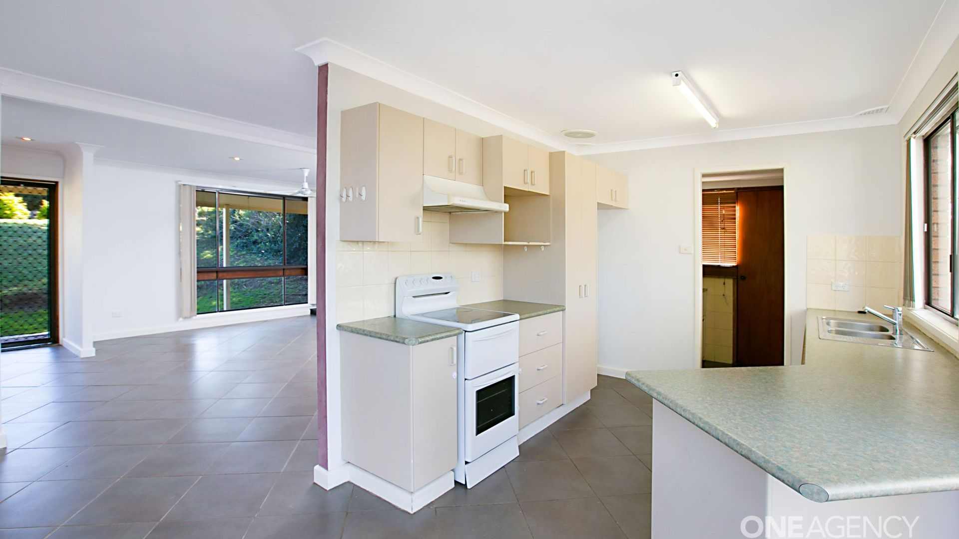 7 Watts Close, Singleton NSW 2330, Image 1